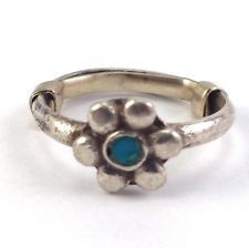 Vintage 925 Sterling Silver Petite Toe Daisy Teal Enamel Flower Ring http://www.ebay.com/itm/Vintage-925-Sterling-Silver-Petite-Toe-Daisy-Teal-Enamel-Flower-Ring-/141610508484?pt=LH_DefaultDomain_0&hash=item20f8a4e0c4