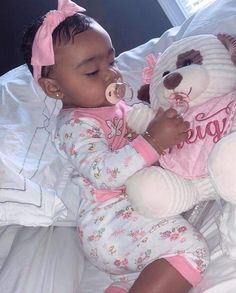 To Cute Toya daughter; So Cute Baby, Cute Mixed Babies, Cute Black Babies, Black Baby Girls, Beautiful Black Babies, Pretty Baby, Cute Baby Clothes, Cute Kids, Cute Babies