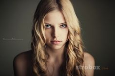 Portrait photo and lighting setup with Strobe and Octobox by Krzysztof Marciniak (1/160, 1.8, ISO: 50)