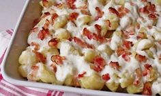 Potato gnocchi with bacon and sheep cheese NejRecept.cz - Potato gnocchi with bacon and sheep cheese NejRecept. Hungarian Desserts, Sheep Cheese, European Cuisine, Good Food, Yummy Food, Cooking Recipes, Healthy Recipes, Gnocchi, Original Recipe