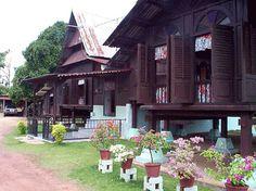Asian Architecture, Colonial Architecture, Architecture Design, Village House Design, Village Houses, Maldives Wallpaper, Pole House, Thai House, House On Stilts