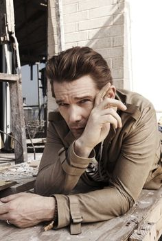 Ethan Hawke by Kurt Iswarienko Actors Male, Actors & Actresses, Hollywood Actor, Hollywood Stars, Male Celebrities, Asian Men Long Hair, Ethan Hawke, Celebrity Photography, Actor