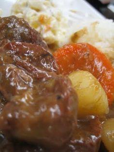 """Hawaiian Beef Stew!!!!! KAUKAU TIME!--""""Kaukau"""" is a Hawaiian pidgin slang word meaning """"food"""" or """"to eat."""": Hawaiian Beef Stew"""
