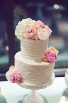 Simple White Wedding Cake with Pink and Peach Flowers | Flowers by Enchanted Florist, Photo by Amy Nicole Photo