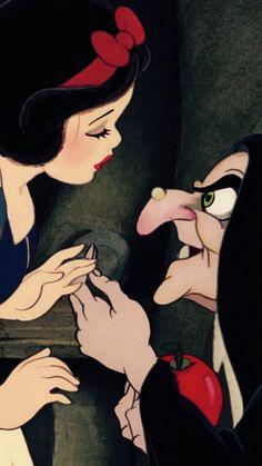 snow white & the witch (aka evil queen). Walt Disney, Disney Magic, Disney Art, Disney Animation, Animation Film, Disney Dream, Disney Love, Disney And Dreamworks, Disney Pixar