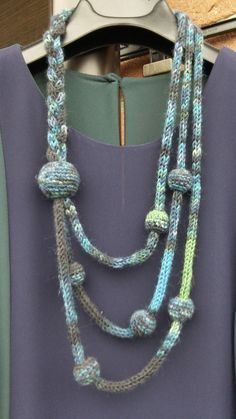 Spool knitting necklace #tricotin