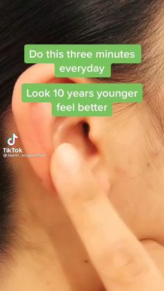 Ear Massage, Massage Facial, Yoga Facial, Massage Tips, Massage Techniques, Massage Therapy, Beauty Tips For Glowing Skin, Health And Beauty Tips, Anti Ride Naturel