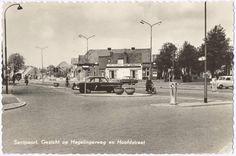 Gezicht op de Hagerlingerweg en de Hoofdstraat Santpoort- noord