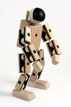 Astronaut - www.heldenausholz.com der Felix Baumgartner unter den Holzspielzeugen :D Holzspielzeug 2.0 modern und cool! Wir sind für die kleinsten die größten seid dabei!