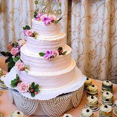 Ivory Pearl cake stand, wedding cake stand, round or square Wedding Cake Pearls, Wedding Cakes, Crystal Cake Stand, Pearl Cake, Cake Holder, Swarovski, Wedding Cake Stands, Ivory Pearl, Crystal Wedding