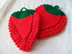 Vintage Potholder Strawberry Potholders by VintagePlusCrafts, $8.00. I'm sorry but these are just too adorable, so well made, in pristine condition - and really, two for 8 bucks? Come on, you can't pass that up! :)