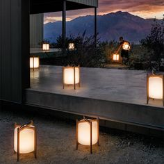 Have you just bought a new or planning to instal landscape lighting on the exsiting house? Are you looking for landscape lighting design ideas for inspiration? I have here expert landscape lighting design ideas you will love. Outdoor Floor Lamps, Modern Floor Lamps, Outdoor Flooring, Outdoor Lighting, Luxury Lighting, Modern Lighting, Lighting Ideas, Terrazas Chill Out, Blitz Design
