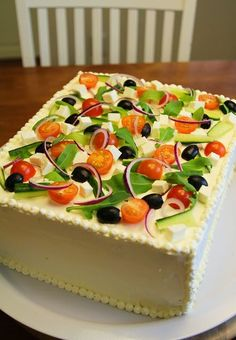 Merjan Makiaa: Kreikkalainen voileipäkakku Sandwich Cake, Sandwich Recipes, Fruit Recipes, Appetizer Recipes, Savory Pastry, Savoury Baking, Savoury Cake, Salad Cake, Iranian Food