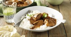 A lower fat, and full flavoured creamy Butter Chicken recipe, made with new less fat NESTLÉ CARNATION Lite Cooking Cream. Cooking Cream, Cast Iron Dutch Oven, Butter Chicken, Garam Masala, Chicken Recipes, Dinner Recipes, Cooking Recipes, Beef