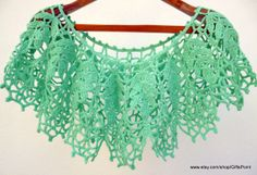 Crochet Collar in Vintage Style. Womens Accessory. by GiftsPoint