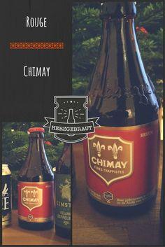 6 klasse Biere aus dem Herzgebraut Dezember-Paket  Etwa ein Finger breit soll das Bier zunächst noch in der Flasche bleiben und nicht aufgeschüttelt werden. Am Besten genießt man das Chimay Rot in einem breiten belgischen Bierkelch. Darin präsentiert es sich kupferrot mit einer kräftigen Schaumkrone. Das Rot ist das älteste Bier der Trappistenbrauerei. Es passt besonders gut zum kräftigen Essen in der Winterzeit. Dunkle Früchte und Karamell treten beim Trinken zum Vorschein.