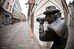 Paparazzi statue in Bratislava Bratislava, Statues, Riding Helmets, Country, Photography, Photograph, Rural Area, Effigy, Photo Shoot