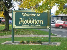 Go on a tour of 'Hobbiton' (Matamata,New Zealand)