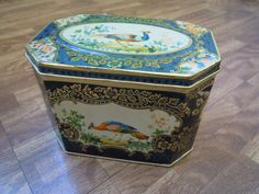 Vintage 60s Art Deco Huntley & Palmer Oriental Bird / Peacock Floral Tin Shabby