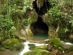Google Image Result for http://monicacatherine.files.wordpress.com/2012/01/actun-tunichil-muknal-belizejs800a.jpg