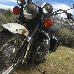"43 gilla-markeringar, 1 kommentarer - Jonathan Sobol (@jonathansobol) på Instagram: ""Old Lady Eldo is in top form. A long ride is coming. www.sobolart.com #guzzi #guzzipolice…"""