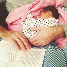 """""""❤️ gute Nacht ihr hübschen... #einehandvollbaby #liebe #newborn #newdad #oktoberbaby  #instablogger #kuschelzeit"""""""