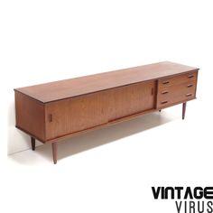 [;nl]Vintage laag dressoir[:en]Vintage low sideboard