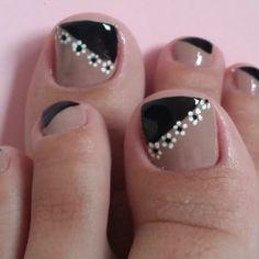 Pedicure Designs, Pedicure Nail Art, Toe Nail Art, Manicure And Pedicure, Pretty Toe Nails, Cute Toe Nails, Square Nail Designs, Toe Nail Designs, French Toe Nails