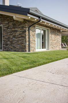 Per chi ama l'effetto della #pietra naturale: #PavimentoStampato, bello e resistente come quella #naturale, ma molto più accessibile! #stone #yard #home