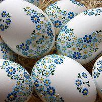 Painted eggs for easter. How to paint eggs for Easter. Ideas for Easter eggs Easter Egg Crafts, Easter Projects, Easter Ideas, Craft Projects, Egg Shell Art, Easter Egg Designs, Ukrainian Easter Eggs, Diy Ostern, Egg Art