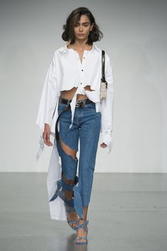 See the complete Faustine Steinmetz Spring 2018 Ready-to-Wear  collection.