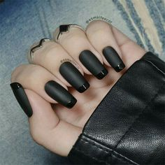 50 super french tip nails to add another dimension i .- 50 super french tip nails to add another dimension to your manicure - Black Manicure, Black Acrylic Nails, Matte Black Nails, Black Nail Tips, Manicure Tips, Black Nail Art, Black Nail Designs, Acrylic Nail Designs, Nail Art Designs