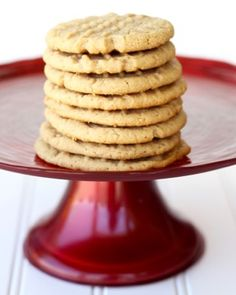 What& better than Easy Peanut Butter Cookies fresh out of the oven? Well, the World& Easiest Peanut Butter Cookies, of course! These cookies are amazing! Chocolate Chip Pecan Cookie Recipe, Chocolate Cake Mix Cookies, Best Peanut Butter Cookies, Peanut Butter Cookie Recipe, Twix Cookies, Cake Mix Desserts, Cake Mix Cookie Recipes, Yummy Cookies, Delicious Desserts