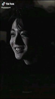 Jungkook Funny, Jungkook Abs, Jungkook Fanart, Foto Jungkook, Bts Taehyung, Foto Bts, Jikook, Bts Memes, J Hope Dance