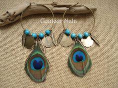 Créoles ethniques plumes de paon, perles de bois, plumes et sequin en métal bronze : Boucles d'oreille par couleur-nala
