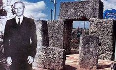 A titokzatos Korall kastély rejtélye: Máig rejtély, hogyan volt képes modern gépek nélkül Edward Leedskalnin egymaga megmozgatni a többtonnás,esetenként 2,5 méter hosszú koralltömböket... Modern