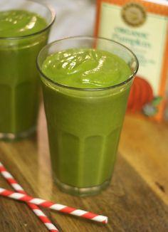 Pumpkin Spice Green Smoothie! (Tastes like pumpkin pie!)