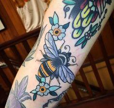 Dream Tattoos, Future Tattoos, New Tattoos, Body Art Tattoos, Cool Tattoos, Tatoos, Pretty Tattoos, Beautiful Tattoos, Honey Bee Tattoo