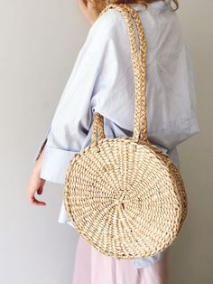 Straw Bag, Straw Handbag, Straw Basket, Beach Bag, Straw Tote images ideas from All About Beach Summer Bags, Summer Purses, Bridal Clutch, Straw Handbags, Round Bag, Straw Tote, Boho Bags, Basket Bag, Cloth Bags