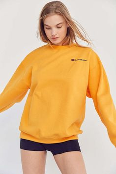Slide View: 3: Champion + UO Mini Logo Crew-Neck Sweatshirt