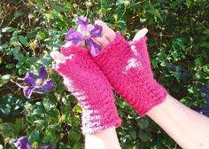 Raspberry Ripple Fingerless Gloves