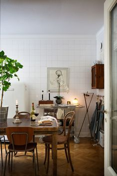 75 Vintage Dining Table Design Ideas DIY – Best Home Decorating Ideas Esstisch Design, Style Deco, Dining Table Design, Scandinavian Home, Interior Design Kitchen, Interior Livingroom, Kitchen Dining, Dining Room, Cosy Kitchen