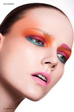 Isabelle-Sonnenschein-by-Thomas-Knieps-for-Institute-Magazine-2 - Eyeshadow Lipstick