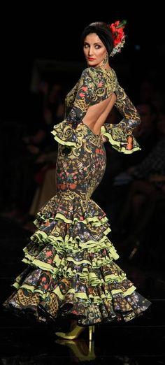 Molina, Simof 2015 Flamenco Costume, Flamenco Dresses, Boho Fashion, Fashion Dresses, Womens Fashion, Most Beautiful Dresses, Ethnic Outfits, Folk Costume, Quinceanera Dresses