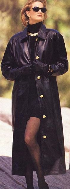 Long Leather Coat, Leather Trench Coat, Leather Gloves, Trench Coats, Tall Boots, Turtle Neck, Shirt Dress, Lady, People