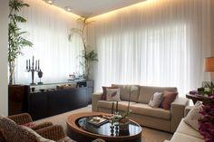 Construindo Minha Casa Clean: Tipos de Cortinas!!! Modernas e Aconchegantes! Casa Clean, Loft Studio, Studio Apartment, Drapes Curtains, Sweet Home, Cottage, House Design, Couch, Living Room
