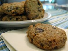 Paleo Raisin Seed Cookies (Nut-Free and Egg-Free) Check out the website to see Nut Free Cookies, Seed Cookies, Paleo Cookies, Sesame Cookies, Paleo Dessert, Healthy Sweets, Gluten Free Desserts, Healthy Food, Sin Gluten