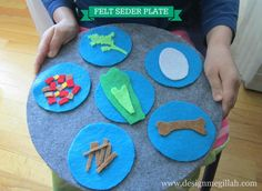 Awesome idea to make a Felt Seder Plate for Kids.  Love it!