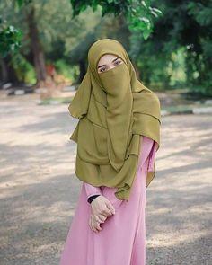 Niqab Fashion, Muslim Fashion, Muslim Girls, Muslim Women, Pakistani Bridal Hairstyles, Hijab Stile, Muslim Beauty, Islamic Girl, Muslim Wedding Dresses