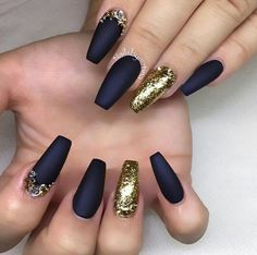 Navy Matte finish nails w/ Gold accent nail